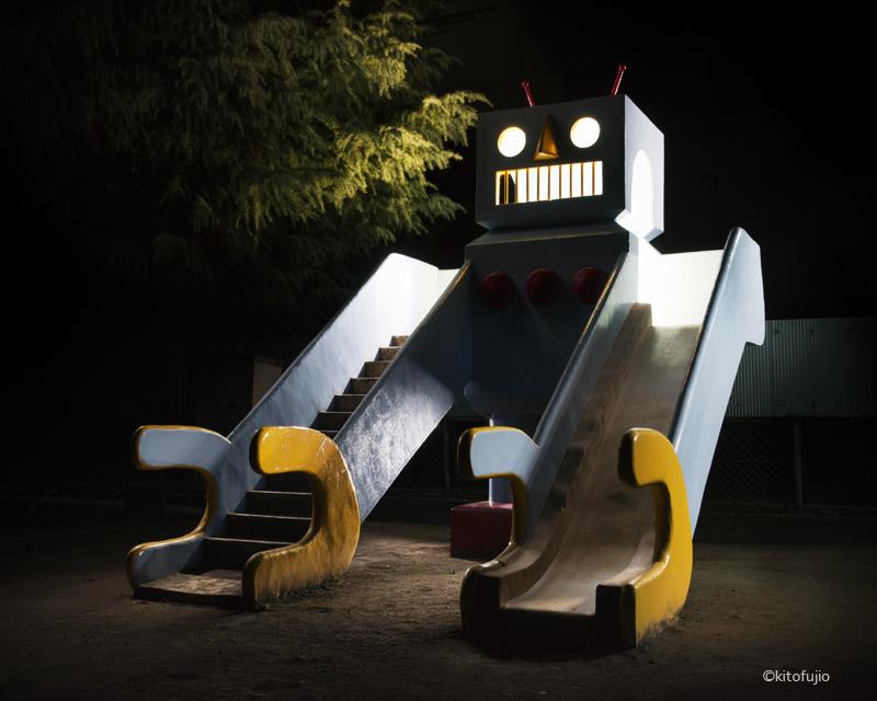 Robot shaped playground slide